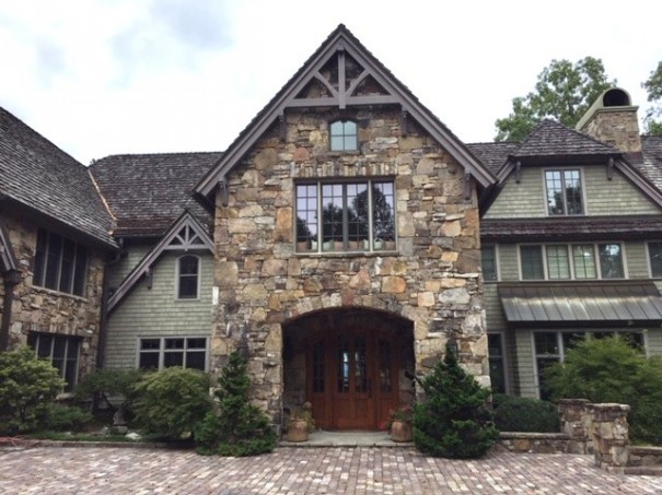 A home on Pinnacle Mountain has six bedrooms, 8½ half baths, six fireplaces and a three-car garage.
